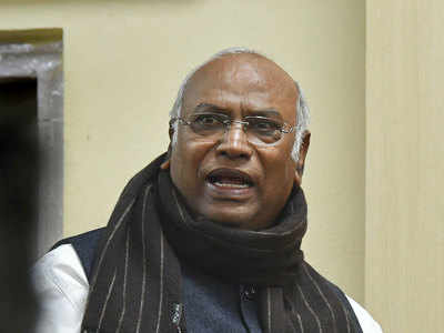 New CBI chief: Kharge writes dissent note; government hits back