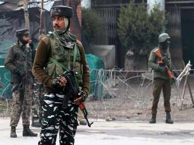 Two Kashmiri political leaders released from house arrest
