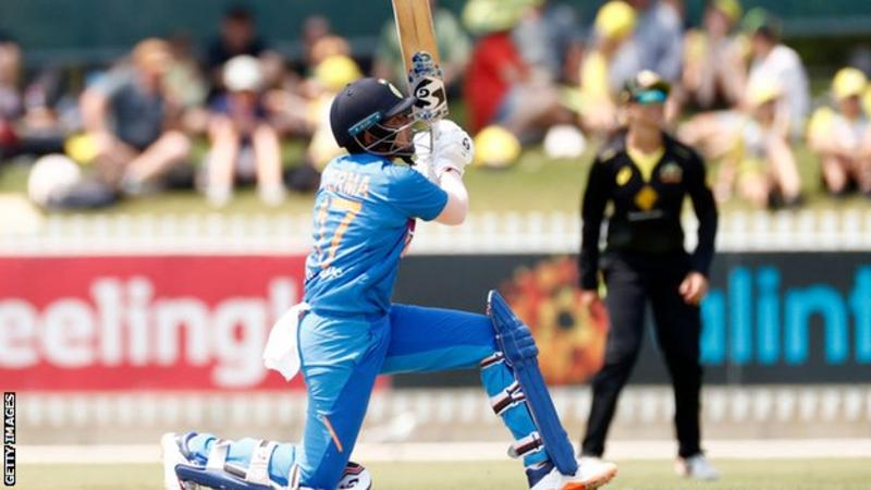 Australia v India, T20 tri-series: Hosts stunned by seven-wicket defeat