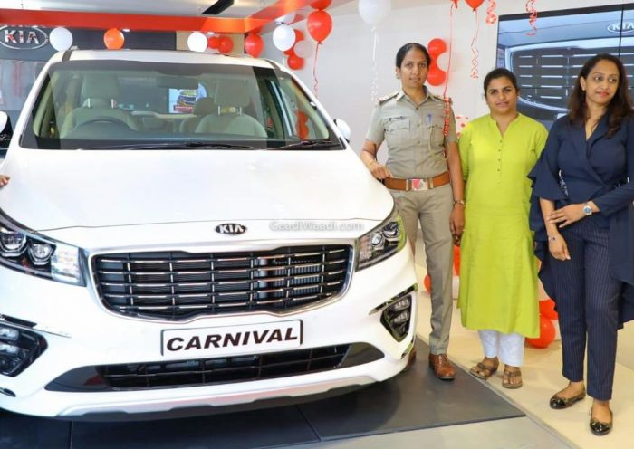 Kia Carnival Luxury MPV Deliveries Begins In India